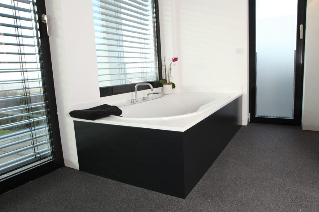 Badewanne Verkleidung und Einfassung in Mineralwerkstoff