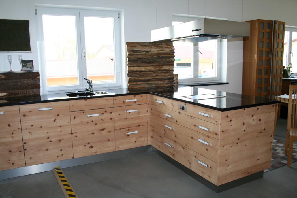 Ausstellungsküche Zirbelkieferküche komplett